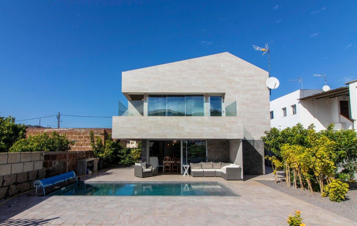 28599493 3224845 foto 048716 - Arquitectura moderna y estilo de ensueño en este chalet a estrenar en San Cristóbal de la Laguna (Santa Cruz de Tenerife)