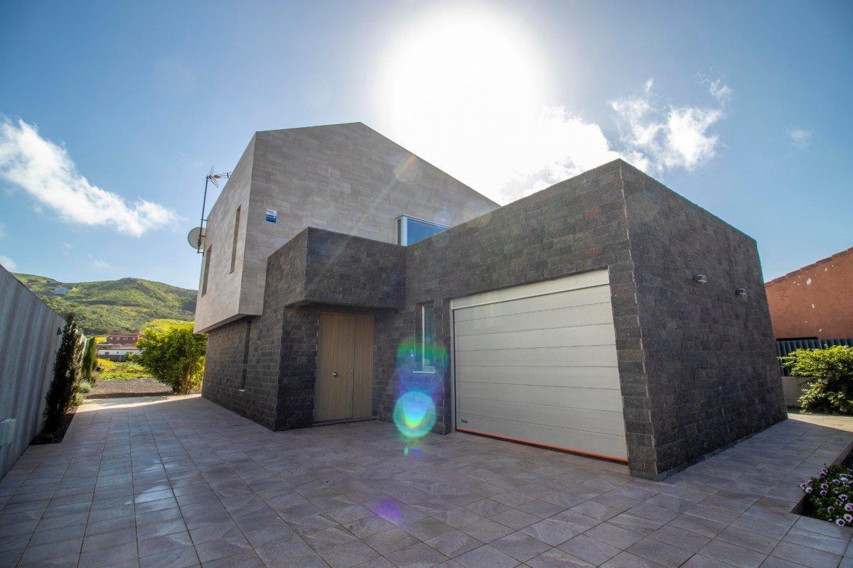 28599493 3224845 foto 981935 - Arquitectura moderna y estilo de ensueño en este chalet a estrenar en San Cristóbal de la Laguna (Santa Cruz de Tenerife)
