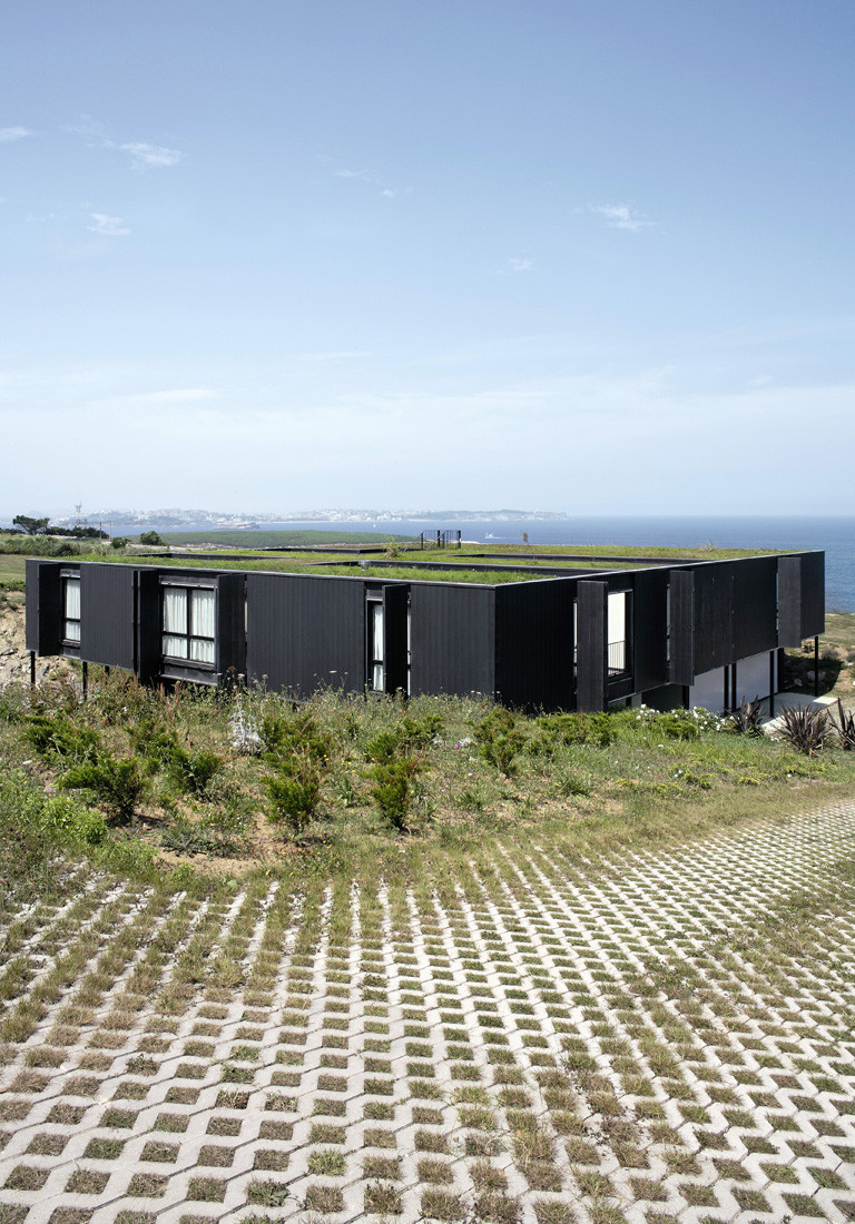 """3 casa1 - Casa Os: """"Techo verde"""" en el Cantábrico en busca de olas, viento y mar (Loredo, Cantabria)"""