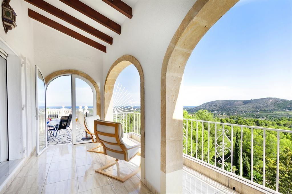 30040420 2077433 foto 22 1024x683 - Vacaciones de ensueño en una villa navy en Dénia