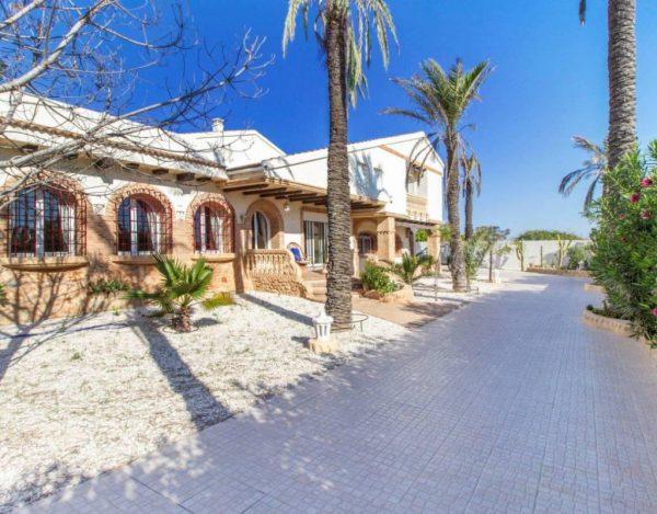 30647109 1401950 foto65153278 600x469 - Dunas y mar en un precioso chalet en Cañada del Molino (Torrevieja, Alicante)