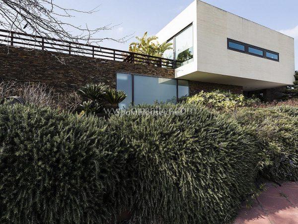 31005553 2016078 foto 485094 600x450 - Vivir rodeado de naturaleza es posible en esta fantástica casa en Girona