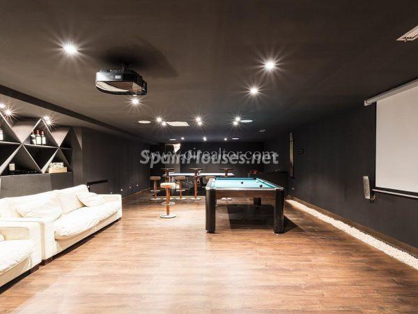 31005553 2016078 foto 610004 600x450 - Vivir rodeado de naturaleza es posible en esta fantástica casa en Girona
