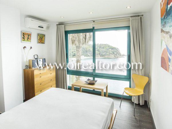 31005553 2112839 foto 243876 600x450 - La Costa Brava se llena de color y dinamismo gracias a esta espectacular casa de diseño