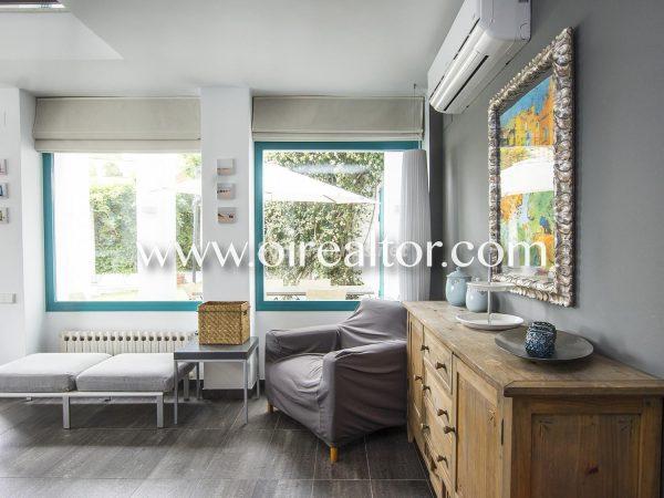 31005553 2112839 foto 366209 600x450 - La Costa Brava se llena de color y dinamismo gracias a esta espectacular casa de diseño