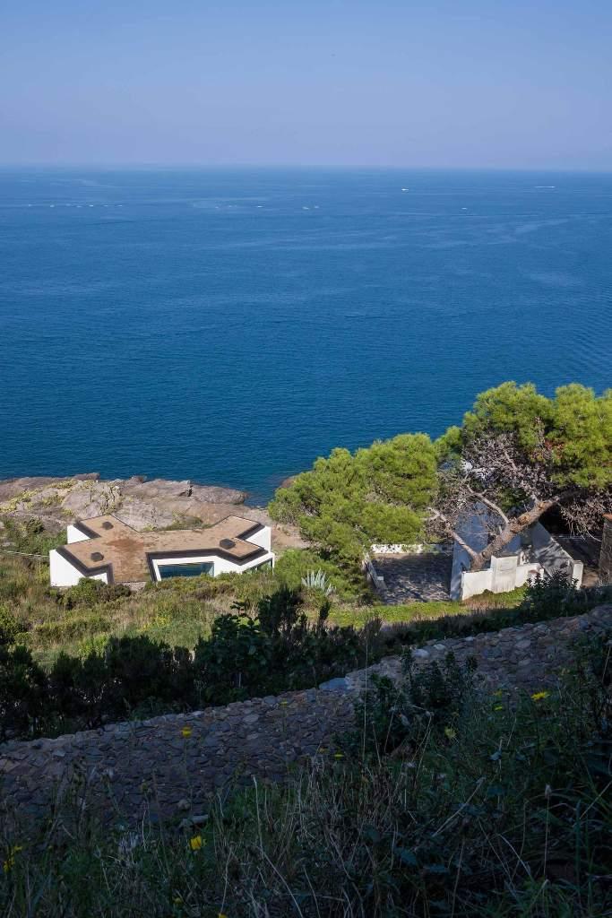 """316 - """"Casa Girasol"""" en Costa Brava, o las múltiples y geniales vistas entre la montaña y el mar"""