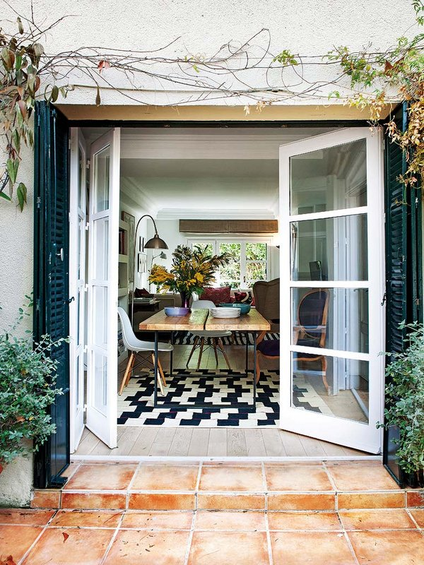 324 - Preciosa casa con un romántico patio ajardinado en pleno corazón de Madrid