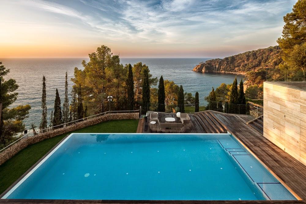 37 - Casa Llorell: diseño, lujo y serenidad en Tossa de Mar, Costa Brava (Girona)