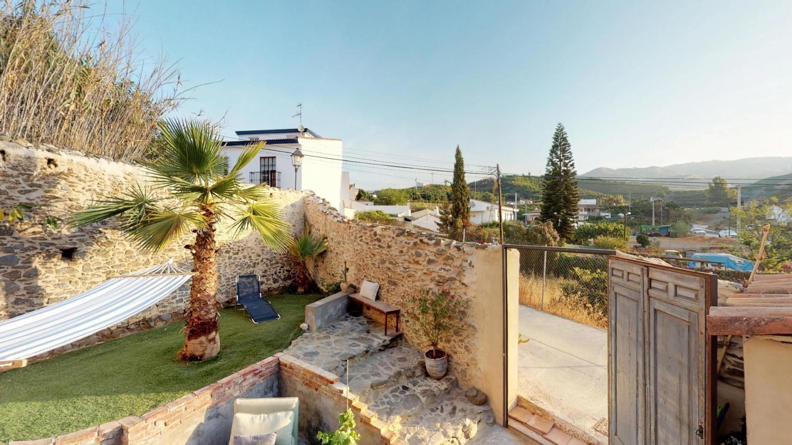 39564418 3303414 foto 749065 - Vida al aire libre en esta encantadora casa de pueblo en Velez-Málaga
