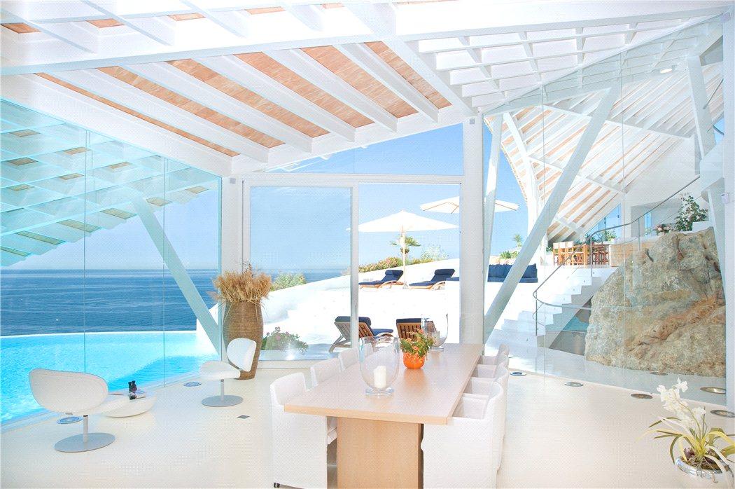 4 17 - Espectacular villa en Puerto de Andratx (Mallorca), con un fantástico diseño de gaviota