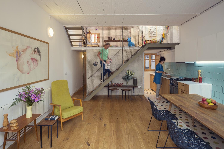 """4 5 - """"La Casa de Juno"""": original, sorprendente y práctica vivienda en Poblenou, Barcelona"""