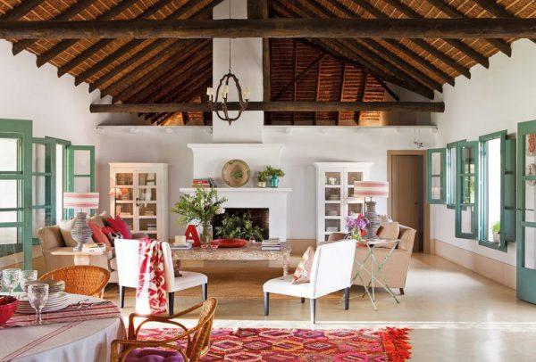 4 6 768x520 1 600x406 - Toque de encanto y color en Carmona (Sevilla): una casa entre olivos