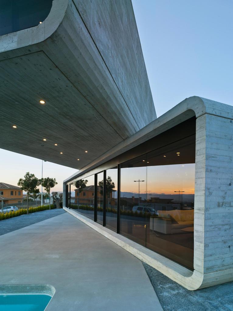 413 - Casa Cruzada: Elegante, imponente y singular casa en Molina de Segura (Murcia)