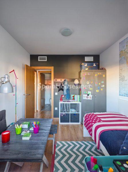 41996949 1845060 foto52451753 446x600 - Decora la habitación de tus hijos de forma original y sencilla