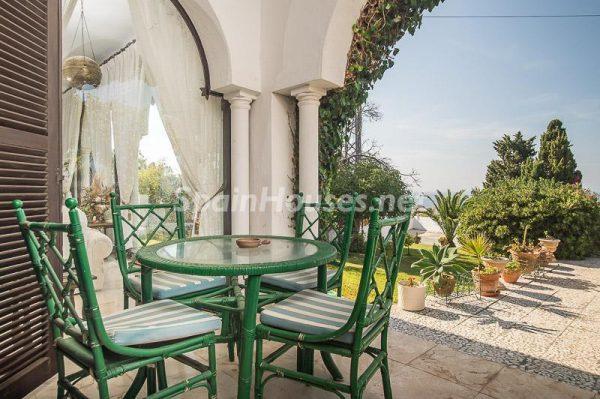 43260 945161 foto 460149 600x399 - Villas perfectas para disfrutar de todas las ventajas que ofrece un porche