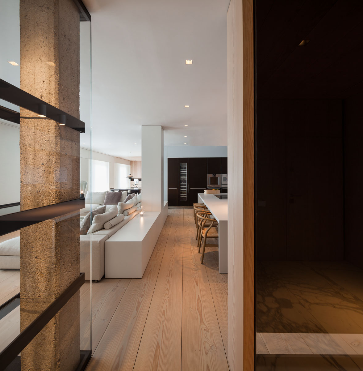 433 - Fantástico y moderno ático en Sevilla de elegante y cálido diseño minimalista
