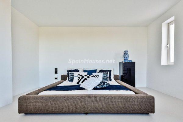 """43339380 2113526 foto 214825 600x400 - Villa de lujo y con un original estilo """"Pop Art"""" en la Moraleja, Madrid"""