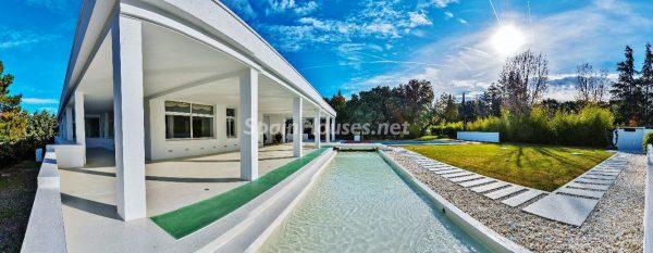 """43339380 2113526 foto 340356 600x233 - Villa de lujo y con un original estilo """"Pop Art"""" en la Moraleja, Madrid"""