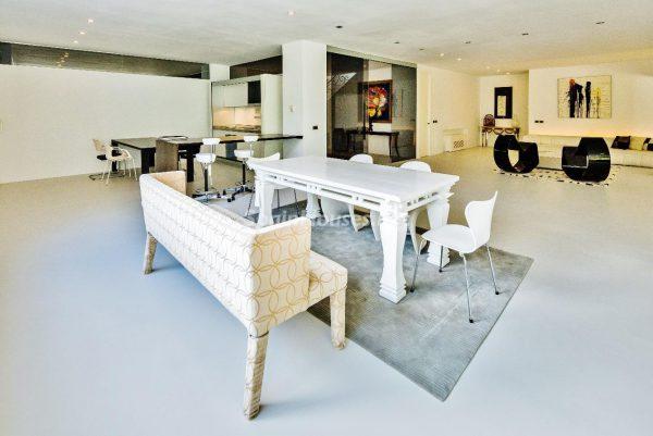 """43339380 2113526 foto 395541 600x401 - Villa de lujo y con un original estilo """"Pop Art"""" en la Moraleja, Madrid"""