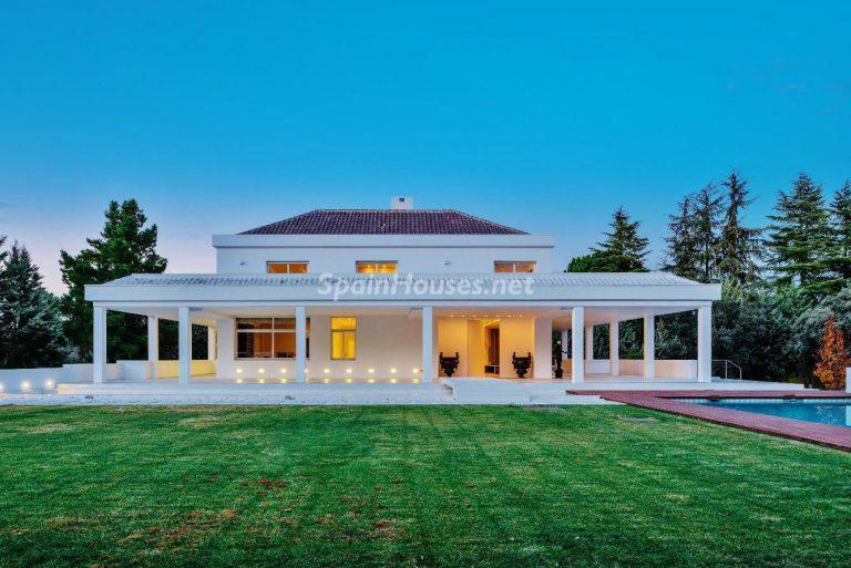 Villa de lujo y con un original estilo «Pop Art» en la Moraleja, Madrid