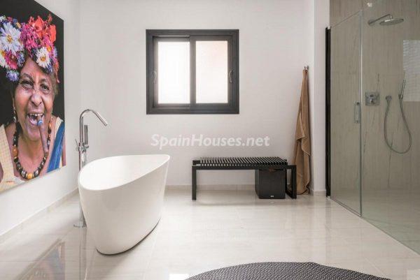 """46353 2170858 foto 816592 600x401 - Esta villa en Marbella presenta la decoración """"soft"""" perfecta para todo tipo de hogar"""