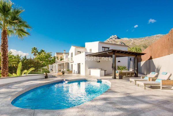 """46353 2170858 foto 943942 600x401 - Esta villa en Marbella presenta la decoración """"soft"""" perfecta para todo tipo de hogar"""