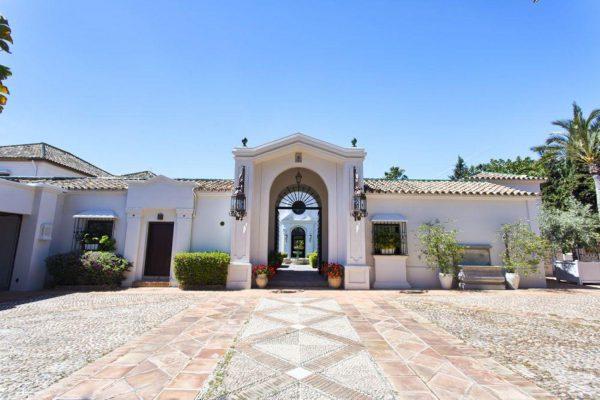 46476090 2335508 foto 364653 600x400 - Auténtica villa de estilo europeo en San Pedro de Alcántara, Marbella