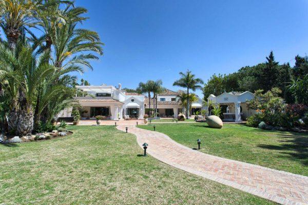 46476090 2335508 foto 416475 600x400 - Auténtica villa de estilo europeo en San Pedro de Alcántara, Marbella