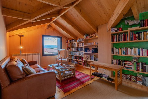 46775 2389063 foto 212043 600x400 - El refugio perfecto en una casa en la zona más tranquila de España