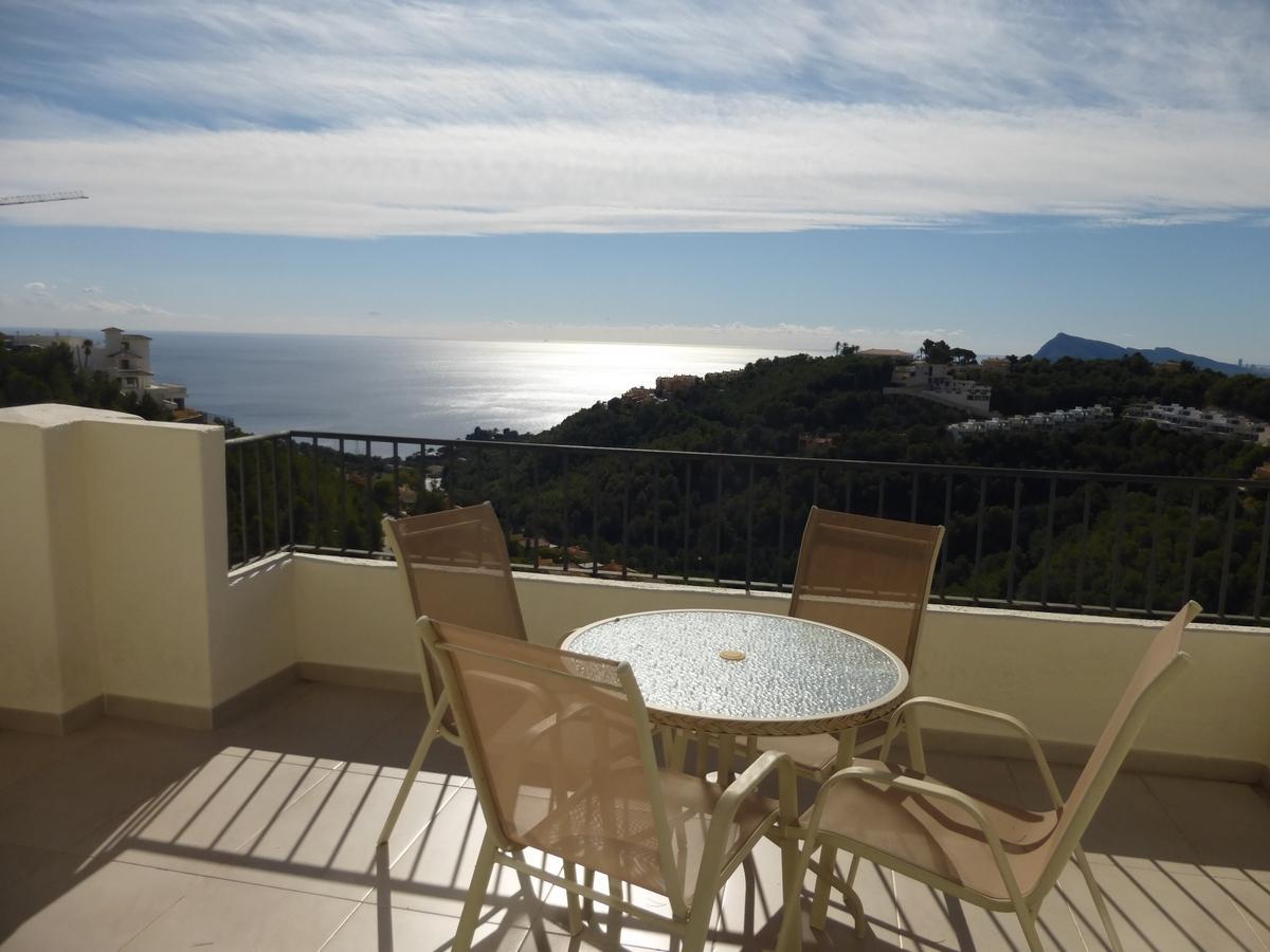 46920 3071837 foto 543286 - Altea Hills: Descubre este ático de estructura moderna y diseño lujoso con vistas al mar en Costa Blanca (Alicante)