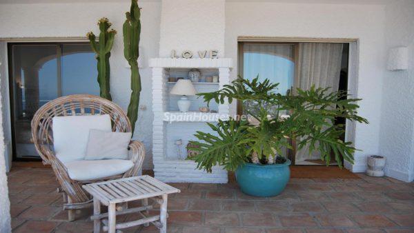 49335 2014903 foto 175883 600x338 - La villa perfecta para los amantes de lo exótico en Salobreña, Granada