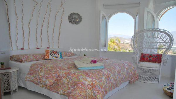 49335 2014903 foto 246318 600x338 - La villa perfecta para los amantes de lo exótico en Salobreña, Granada