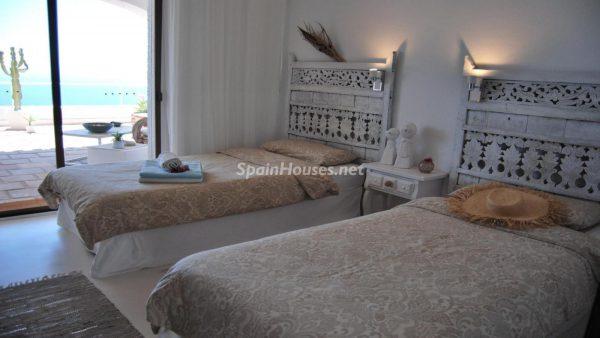 49335 2014903 foto 300070 600x338 - La villa perfecta para los amantes de lo exótico en Salobreña, Granada