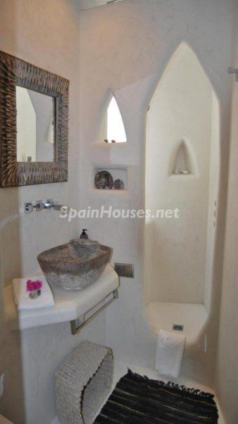 49335 2014903 foto 446779 338x600 - La villa perfecta para los amantes de lo exótico en Salobreña, Granada
