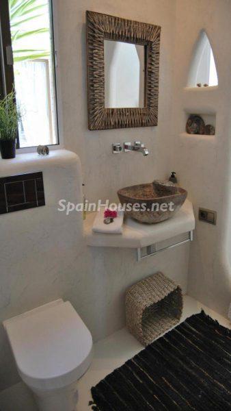 49335 2014903 foto 714197 338x600 - La villa perfecta para los amantes de lo exótico en Salobreña, Granada