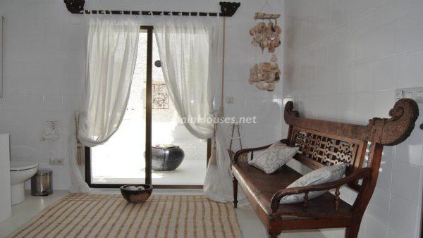 49335 2014903 foto 758972 600x338 - La villa perfecta para los amantes de lo exótico en Salobreña, Granada
