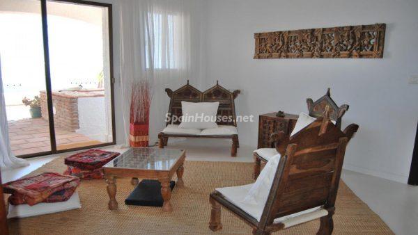 49335 2014903 foto 881400 600x338 - La villa perfecta para los amantes de lo exótico en Salobreña, Granada