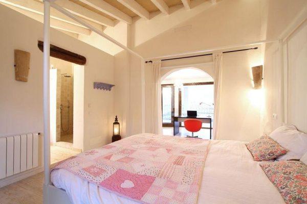 49494 2084886 foto 047933 600x400 - Descubre el encanto de esta casa tradicional mallorquina en Pollença, Baleares