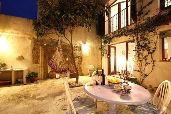 49494 2084886 foto 064371 600x400 - Descubre el encanto de esta casa tradicional mallorquina en Pollença, Baleares