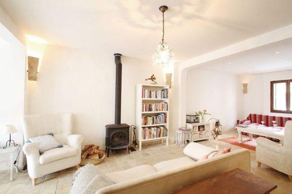 49494 2084886 foto 139517 600x400 - Descubre el encanto de esta casa tradicional mallorquina en Pollença, Baleares