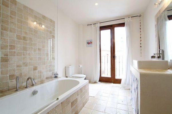 49494 2084886 foto 983132 600x400 - Descubre el encanto de esta casa tradicional mallorquina en Pollença, Baleares