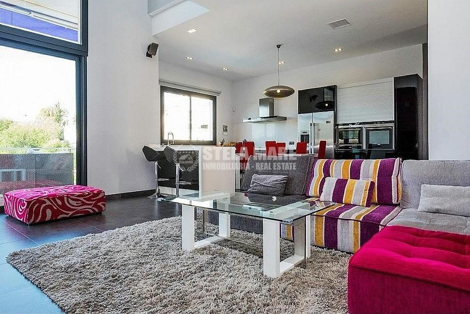 51743606 2793367 foto 136020 - Disfruta del encanto de Nerja en esta villa con  3 casas independientes. Diseñada para disfrutar en familia