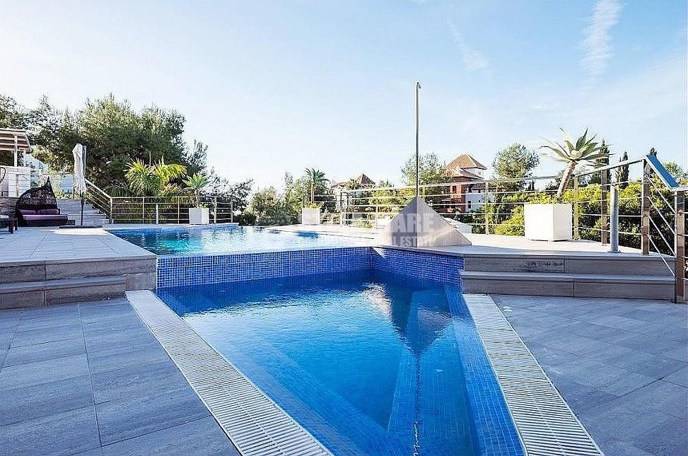 51743606 2793367 foto 316484 1 - 3 casas independientes en 1, disfruta del encanto de Frigiliana en esta villa, diseñada para disfrutar en familia