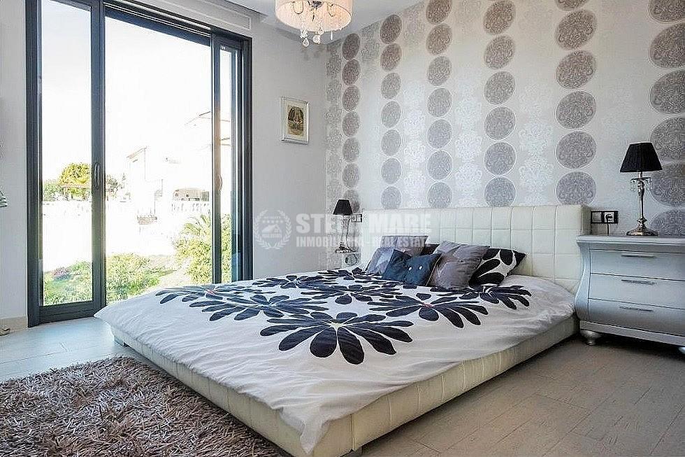 51743606 2793367 foto 653715 - Disfruta del encanto de Nerja en esta villa con  3 casas independientes. Diseñada para disfrutar en familia