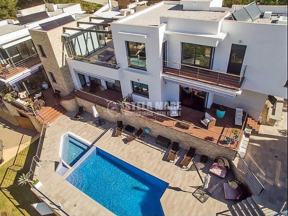 51743606 2793367 foto 691745 1 - 3 casas independientes en 1, disfruta del encanto de Frigiliana en esta villa, diseñada para disfrutar en familia