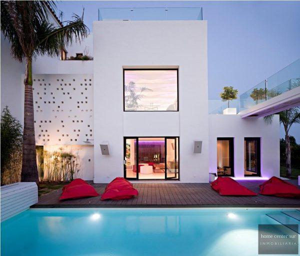 52724 1749334 foto 124979 600x513 - El arquitecto Miguel Tobal reinventó el diseño y la vanguardia con esta villa en Marbella