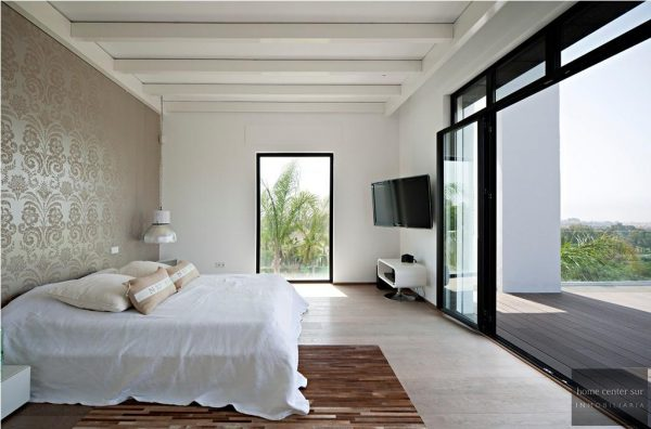 52724 1749334 foto 253973 600x396 - El arquitecto Miguel Tobal reinventó el diseño y la vanguardia con esta villa en Marbella