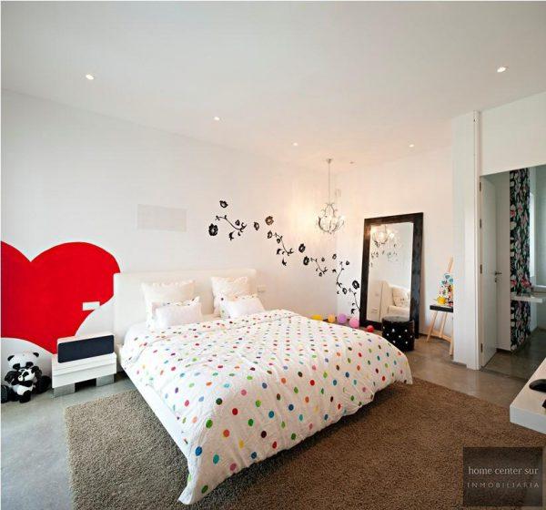 52724 1749334 foto 406013 600x560 - El arquitecto Miguel Tobal reinventó el diseño y la vanguardia con esta villa en Marbella