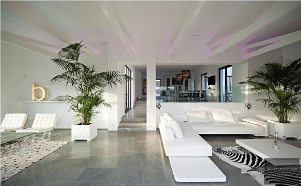 52724 1749334 foto 479485 600x371 - El arquitecto Miguel Tobal reinventó el diseño y la vanguardia con esta villa en Marbella