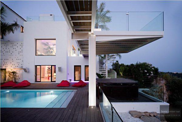 52724 1749334 foto 483748 600x403 - El arquitecto Miguel Tobal reinventó el diseño y la vanguardia con esta villa en Marbella